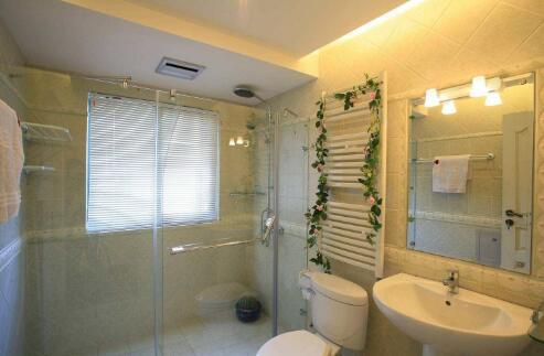 小户型卫生间图片赏析 浴室因色采而了始终同