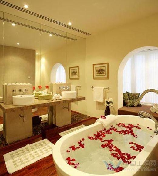 欧式洗手间装修效果图 用华丽浪漫覆盖生活繁