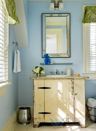 洗手间装修效果图 明媚空间赶走小空间拥挤