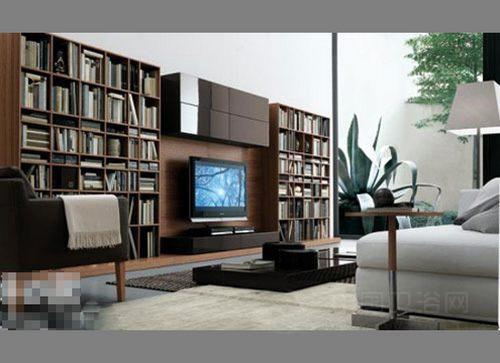 但不显凌乱,不失美观,电视机顶部还设有封闭型的挂壁柜,整个背景墙以