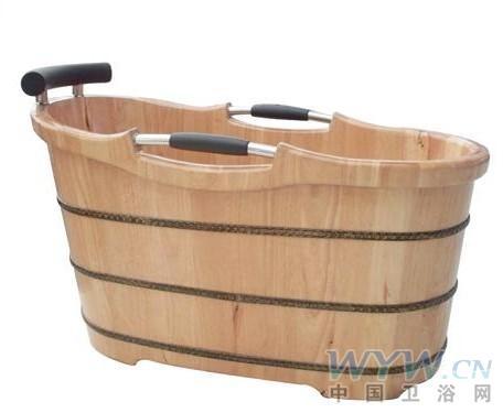 木盆浴室的图片
