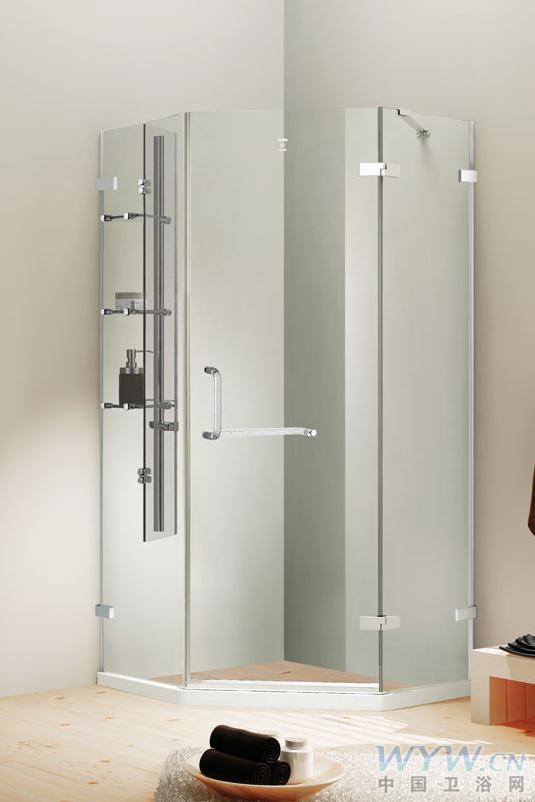 无边框式设计让整个淋浴房看起来更加通透