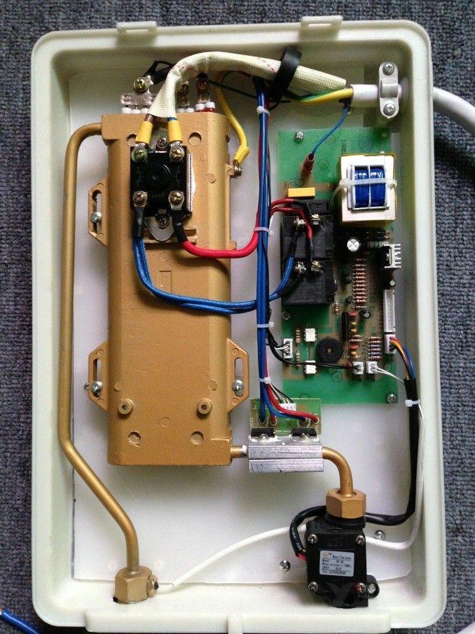 一般是传统电热水器的2-3倍,亚哥尼系列产品使用寿命能达到8-10年以上